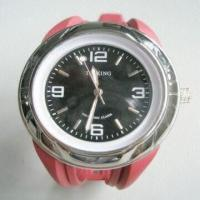 China Quartz Talking Watch with Vibrating Alarm and Sound Alarm Functions on sale