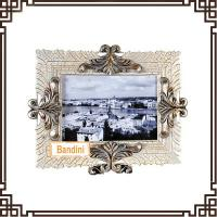 Quality Best selling product factory customed resin crafts beautiful photo frames A0370WS for sale