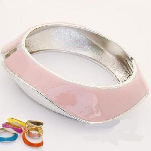 Quality Silver Jewelry Bracelet/Bangle (SRJ-006) for sale