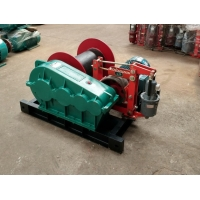 China Industrial Elevator Pulling Electric Wire Rope Winch for Material lifting for sale