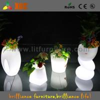 Quality Waterproof Indoor / Outdoor LED planter flower pot RGB light Bright Color Garden Furniture for sale