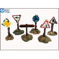 China Colorful Guidepost  Resin Fish Aquarium Ornaments , Commercial Fish Tank Sign Decorations on sale