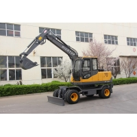 Quality Double Cylinder Water Cool Diesel Engine Hydraulic Excavator With Closed Cabin For Personal Use for sale