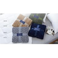 Quality Wearable 100% Polyester Solid Flannel Blanket / Plush Blankets For Home And Travel for sale