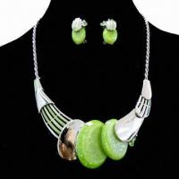 China 2013 Fashionable Jewelry Set with Resin Beads, Latest Design Charm Necklace Earrings on sale