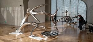 Quality Exhibition mirror polish stainless steel art sculptures ,customized studio art statue,Stainless steel sculpture supplier for sale