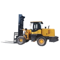 Quality all-terrain forklift FD70 for sale