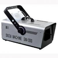 Quality 5L Capacity Stage Snow Machine Easy Control With High - Speed And Silent Fan for sale