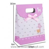 Buy cheap Customized Packaging Gift Paper Bag With Die-cut Handle from wholesalers