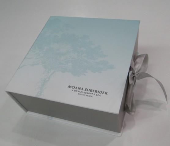 Buy Cosmetic gift box at wholesale prices