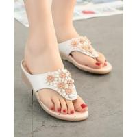 China Seaside flip-flops spring and summer slippers for women on sale